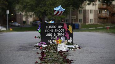 Un mémorial en l'honneur de Michael Brown, le jeune Noir tué par un policier alors qu'il était désarmé à Ferguson, dans le Missouri