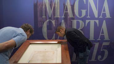 """La """"Grande Charte"""", signée par le roi d'Angleterre Jean Sans Terre le 15 juin 1215"""