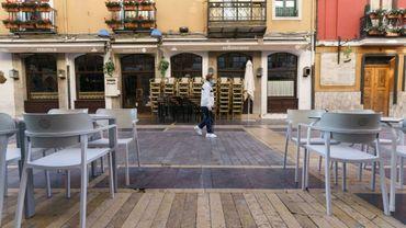 Une terrasse de bar vide à León, en Espagne, le 7 octobre 2020