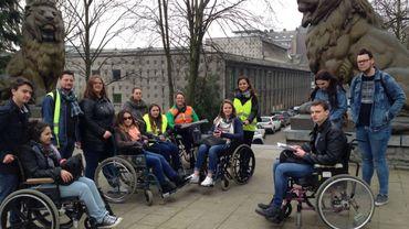 Les élèves ont testé Charleroi en chaise roulante