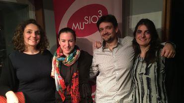 Le quatuor Akhtamar est notre invité aujourd'hui. De gauche à droite : Coline Alecian et Jennifer Pio, violons; Cyril Simon, violoncelle, et Ondine Stasyk, alto.
