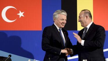 Didier Reynders, ministre belge des Affaires étrangères et son homologue turc Mevlüt Cavusoglu