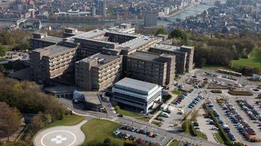 Pour éviter la propagation du virus au sein de l'hôpital, les visites sont interdites dès jeudi