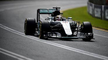 Hamilton signe la pole devant Rosberg à Melbourne