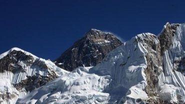 Enquête ouverte au Népal après la mort d'une randonneuse belge
