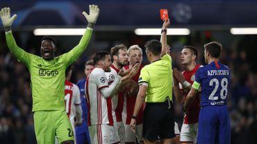 Deux exclusions et un penalty en... une action, et un 4-4 entre Chelsea et l'Ajax