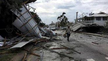Nouvelle-Zélande: près d'un millier de touristes bloqués par un cyclone
