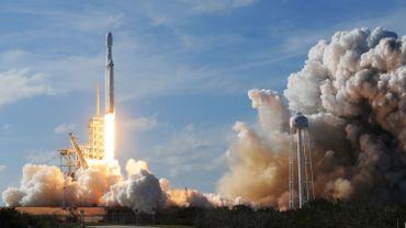 Début 2017, SpaceX avait annoncé que deux passagers seraient envoyés vers la Lune dès 2018 à bord de sa fusée Falcon Heavy, un voyage qui n'a finalement jamais eu lieu.