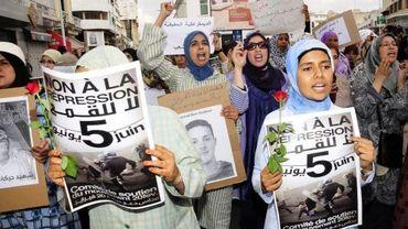 Des jeunes manifestent à Casablanca