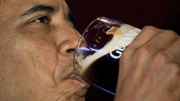 Barack Obama s'offre une Guinness à l'occasion de la St. Patrick