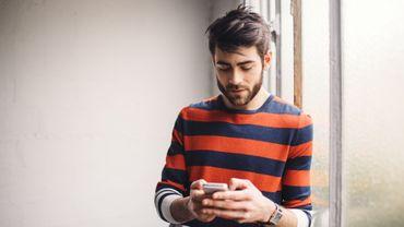 A terme, l'usage quotidien de nos smartphones pourrait modifier nos mains.