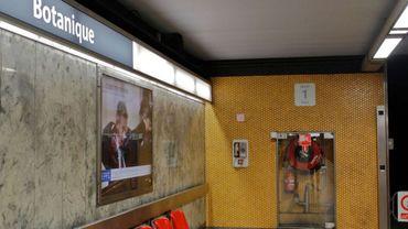 Une personne a été violemment agressée à la batte de base-ball, mardi, dans la station de métro Botanique.