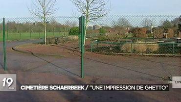 Au cimetière de Schaerbeek, un grille avait été installée, séparant ainsi les tombes civiles des multiconfessionnelles.