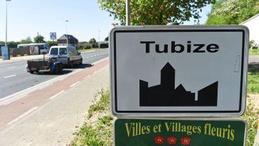 Deux véhicules incendiés à Tubize