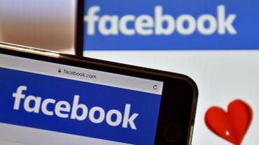 Le chef de la communication de Facebook prend la porte