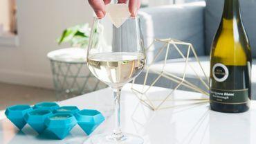 Votre verre de vin, avec ou sans glaçon?