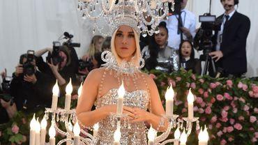 Un zéro pour Katy Perry qui a franchi la limite du mauvais goût en apparaissant au Met Gala en chandelier. New York, le 6 mai 2019.