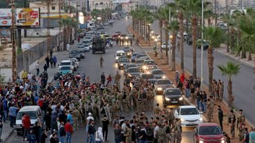 Liban: les manifestants renforcent encore les barrages routiers
