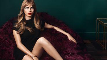 """Cara Delevingne arbore un look réalisé avec les produits de la collection """"Scandal"""" d'Yves Saint Laurent. ©Yves Saint Laurent Beauté"""