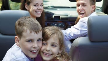 Avant de partir en vacances en voiture, il y a quelques règles élémentaires à respecter.