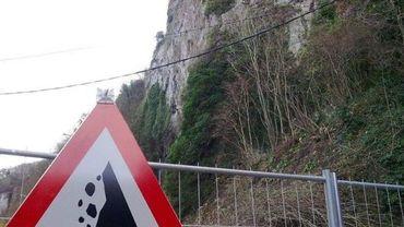 Ce n'est pas la première fois que des chutes de rochers menancent la circulation routière sur la nationale 90.