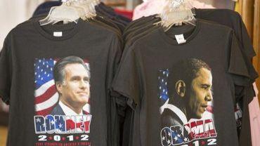 Tee shirts représentant les deux candidats aux prochaines élections américaines, Barack Obama et Mitt Romney