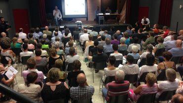 Envrion 150 personnes ont assisté dans la salle communale de Cortil-Wodon à la présentation de l'étude sur les liens entre pesticides et cancer à Fernelmont.