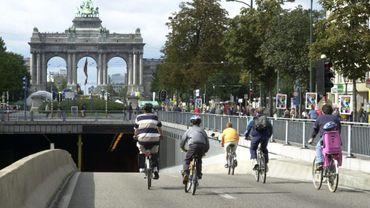 Les vélos électriques dont l'assistance continue de fonctionner au-delà des 25 km/h ne peuvent pas circuler lors du dimanche sans voiture