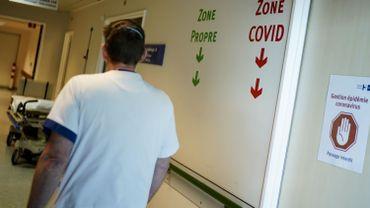 Le coronavirus touche les plus âgés.