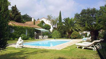 Construire une piscine dans son jardin: faut-il un permis ?
