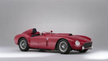 La Ferrari 4,9-litre 375-Plus Spider Competizione s'est vendue aux enchères à Goodwood (Angleterre) au prix de 10,7M£, soit environ 13,44M€