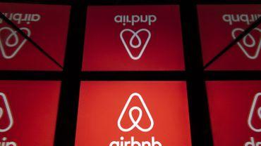 Le logo de Airbnb