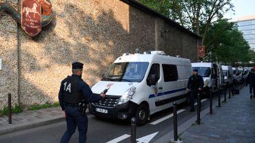 Attentat déjoué en France: un seul des deux individus interpellés inculpé