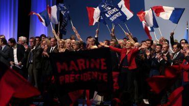 Marine Le Pen, en baisse dans les sondages, muscle son discours