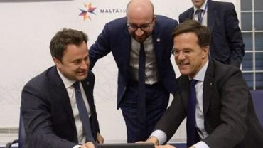es trois pays du Benelux, la Belgique, les Pays-Bas et le Luxembourg, inviteront dans les prochains mois des groupes de pays à discuter du futur de l'Europe, ont indiqué les trois Premiers ministres, Charles Michel, Mark Rutte et Xavier Bettel.