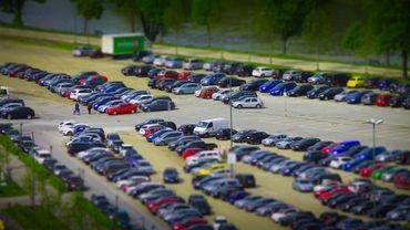 Toujours plus de voiture en circulation en Belgique. Et le diesel a de moins en moins le vent en poupe.