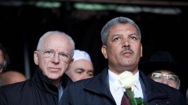 Le président de l'Exécutif des Musulmans de Belgique, Salah Echallaoui (à droite), a envoyé un message de soutien à l'Eglise de Belgique.