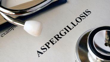 Aspergillose: quand un minuscule champignon menace nos poumons