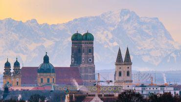 Centre-ville de Munich, sur fond d'Alpes bavaroises, le 15 décembre 2013