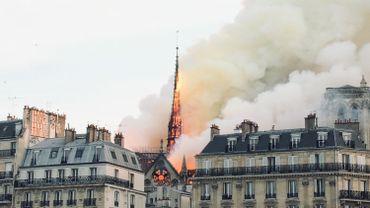Chef-d'œuvre de l'art gothique, la cathédrale de Notre-Dame à Paris a été victime le 15 avril d'un incendie qui a notamment détruit sa charpente et sa flèche.
