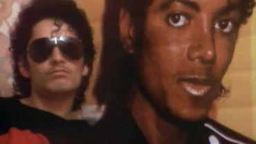 L'un des frères Nazim, sosies de Michael Jackson en 1985.