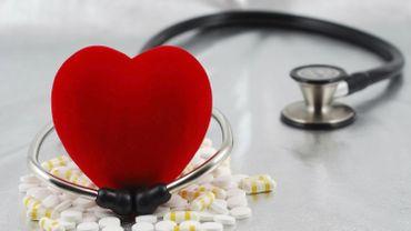 De nouveaux anti-cholestérol coûteux réduisent le risque cardiovasculaire