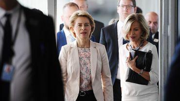 La nouvelle présidente de la Commission européenne demande à la Hongrie et à la Roumanie de lui soumettre deux nouveaux candidats