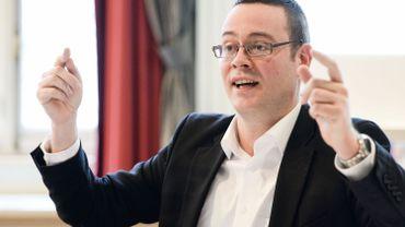 Saut d'index: Raoul Hedebouw (PTB) va porter plainte pour vol