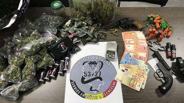 Le butin des perquisitions du Service Enquêtes et Recherches de la Policez Boraine effectuées ce mercredi 18 avril