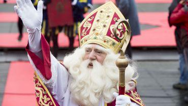Finalement, le patron des écoliers, Saint-Nicolas, fera son entrée à Bruxelles vendredi.