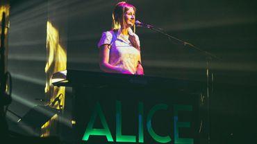 Alice on the Roof et Talisco parmi les ultimes noms du Village Francofou