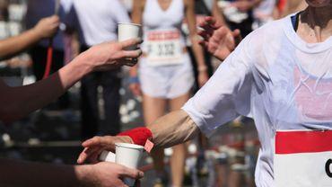 Marathon: la chaussure qui court trop vite fait débat.