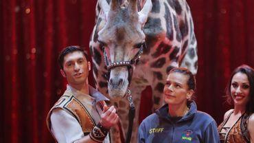 La princesse Stéphanie de Monaco (c) avec des artistes du Festival international du cirque de Monte-Carlo, le 16 janvier 2018 à Monaco