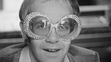 Une Barbie Elton John!